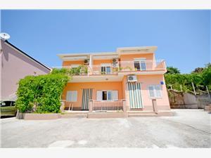 Appartamenti Ivan Razanj, Dimensioni 50,00 m2, Distanza aerea dal mare 100 m