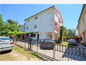 Apartman Ankica Medulin, Méret 55,00 m2, Légvonalbeli távolság 70 m, Központtól való távolság 600 m