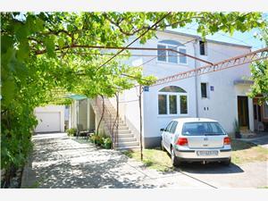 Appartement Ivana Vodice, Kwadratuur 40,00 m2, Lucht afstand tot de zee 200 m, Lucht afstand naar het centrum 250 m