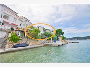 Appartements Vera Supetarska Draga - île de Rab, Superficie 60,00 m2, Distance (vol d'oiseau) jusque la mer 50 m