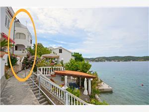 Appartements Vera Supetarska Draga - île de Rab, Superficie 40,00 m2, Distance (vol d'oiseau) jusque la mer 50 m