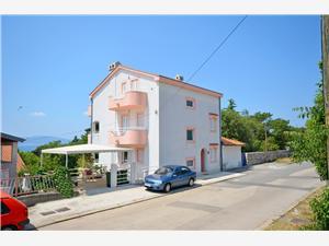 Apartamenty Snježana Novi Vinodolski (Crikvenica), Powierzchnia 72,00 m2, Odległość do morze mierzona drogą powietrzną wynosi 200 m, Odległość od centrum miasta, przez powietrze jest mierzona 400 m