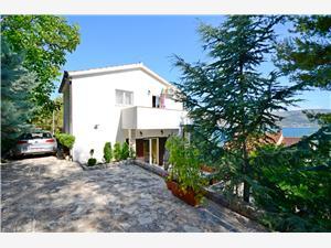 Beachfront accommodation Split and Trogir riviera,Book Tatjana From 95 €