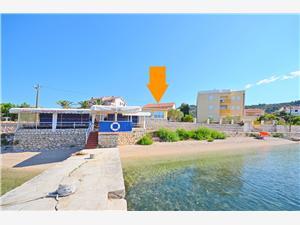 Appartementen Marinko Barbat - eiland Rab, Kwadratuur 45,00 m2, Lucht afstand tot de zee 50 m