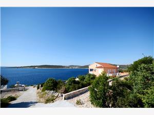 Ferienwohnungen Marijo Sevid, Größe 50,00 m2, Luftlinie bis zum Meer 20 m, Entfernung vom Ortszentrum (Luftlinie) 600 m