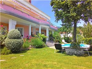Апартаменты Josip Lovran, квадратура 50,00 m2, размещение с бассейном