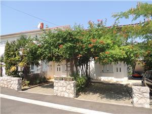 Apartmány Dragica Malinska - ostrov Krk, Prostor 40,00 m2, Vzdušní vzdálenost od centra místa 500 m