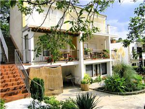 Appartementen Iskra Krk - eiland Krk, Kwadratuur 38,00 m2, Lucht afstand naar het centrum 300 m