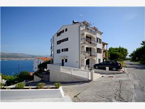 Apartmány Kristina Okrug Donji (Ciovo), Prostor 50,00 m2, Vzdušní vzdálenost od moře 100 m, Vzdušní vzdálenost od centra místa 100 m
