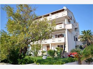 Apartmanok és Szobák Gordana Novalja - Pag sziget, Méret 45,00 m2, Központtól való távolság 500 m