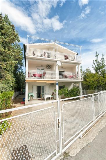 Apartments Luca