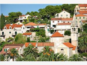 Apartamenty Katija Splitska - wyspa Brac, Powierzchnia 80,00 m2, Odległość do morze mierzona drogą powietrzną wynosi 200 m, Odległość od centrum miasta, przez powietrze jest mierzona 30 m