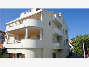 Appartementen Darko Krk - eiland Krk,Reserveren Appartementen Darko Vanaf 51 €
