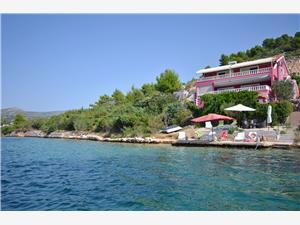 Boende vid strandkanten Šibeniks Riviera,Boka Sanja Från 1719 SEK
