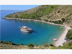 Dům Boris Sumartin - ostrov Brac, Dům na samotě, Prostor 60,00 m2, Vzdušní vzdálenost od moře 90 m