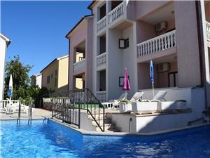 Apartmány Stana Malinska - ostrov Krk, Rozloha 100,00 m2, Ubytovanie sbazénom, Vzdušná vzdialenosť od centra miesta 600 m