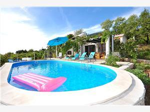 Kuća za odmor Ivica Bol - otok Brač, Kuća na osami, Kvadratura 42,00 m2, Smještaj s bazenom