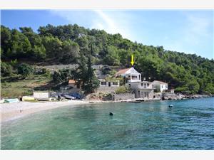 Casa Vatromir Isole della Dalmazia Centrale, Casa isolata, Dimensioni 70,00 m2, Distanza aerea dal mare 10 m