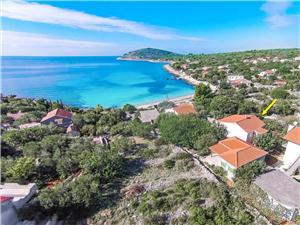 Apartmani Mira Drvenik Mali - otok Drvenik Mali, Kvadratura 55,00 m2, Zračna udaljenost od mora 50 m