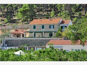 Appartementen Joško Postira - eiland Brac, Kwadratuur 100,00 m2, Accommodatie met zwembad, Lucht afstand tot de zee 150 m