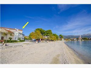 Ferienwohnungen Mijo Kastel Stafilic, Größe 30,00 m2, Luftlinie bis zum Meer 30 m, Entfernung vom Ortszentrum (Luftlinie) 400 m