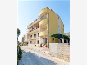 Apartmány Stipe Mali rat, Prostor 50,00 m2, Vzdušní vzdálenost od moře 200 m, Vzdušní vzdálenost od centra místa 500 m