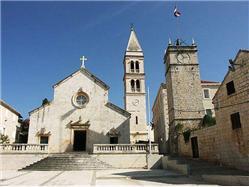 Farnosť Zvestovania Panny Márie Supetar - ostrov Brac Kostol