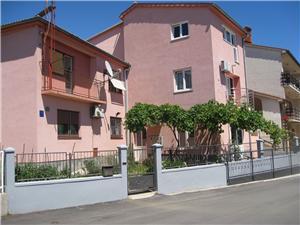 Apartman Predrag Pula, Méret 75,00 m2, Központtól való távolság 800 m