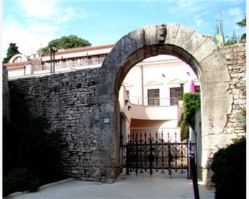 Herkulova brána (Herkulova vrata)