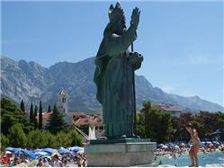 Szent Miklós szobrát Sumartin - Brac sziget Nevezetességek