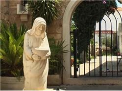 Kip Matere Terezije Nerezisce - otok Brac Znamenitosti