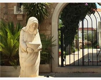 Teréz Anya szobor