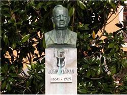 The monument to Josip Kašman Mali Losinj - ön Losinj Sights