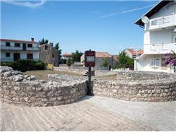 Zbytky benediktinského kláštera sv. Ivan Obrovac Pamiatky
