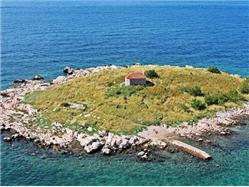 île de San Marino Klenovica (Novi Vinodolski) Monuments