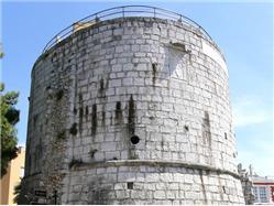 Okrogli stolp Pazin Znamenitosti