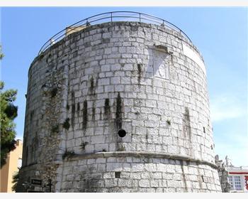 Okrągła wieża