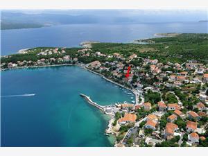Apartamenty Dražen Silo - wyspa Krk, Powierzchnia 45,00 m2, Odległość do morze mierzona drogą powietrzną wynosi 30 m, Odległość od centrum miasta, przez powietrze jest mierzona 100 m