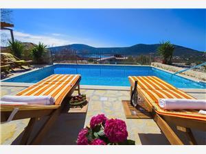 Villa Krčina Vinisce, Superficie 50,00 m2, Hébergement avec piscine, Distance (vol d'oiseau) jusqu'au centre ville 800 m