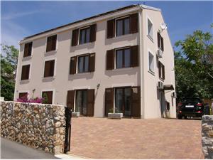 Apartmanok Pintar Uskočka Baska - Krk sziget, Méret 50,00 m2, Légvonalbeli távolság 150 m, Központtól való távolság 100 m