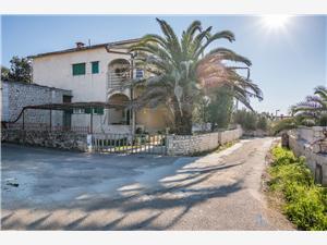 Appartement Les iles de la Dalmatie centrale,Réservez Srećko De 58 €