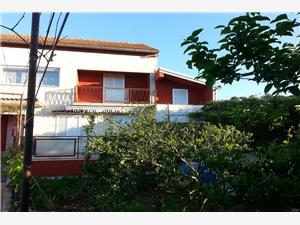 Apartmány Marin Bibinje, Rozloha 130,00 m2, Vzdušná vzdialenosť od mora 250 m, Vzdušná vzdialenosť od centra miesta 800 m