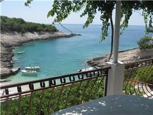 Kuća na osami Srednjodalmatinski otoci,Rezerviraj Emil Od 857 kn