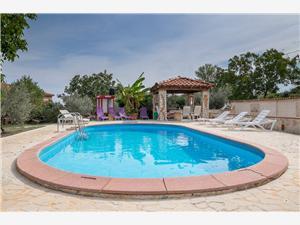 Дом Helena Хорватия, квадратура 92,00 m2, размещение с бассейном, Воздух расстояние до центра города 300 m