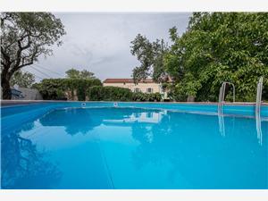 Kuća za odmor Nina Hrvatska, Kvadratura 92,00 m2, Smještaj s bazenom, Zračna udaljenost od centra mjesta 300 m