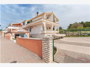 Appartementen Denis Sibenik Riviera, Kwadratuur 42,00 m2, Lucht afstand tot de zee 100 m, Lucht afstand naar het centrum 300 m