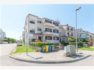 Apartmanok Luciana Isztria, Méret 53,00 m2, Központtól való távolság 500 m