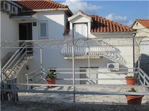 Appartementen Lima Jelsa - eiland Hvar, Kwadratuur 30,00 m2, Lucht afstand naar het centrum 50 m