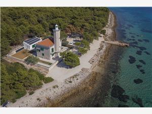 Vila Lanterna Vir - otok Vir, Kuća na osami, Kvadratura 180,00 m2, Zračna udaljenost od mora 20 m
