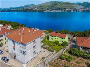 Appartements Maja Okrug Donji (Ciovo), Superficie 31,00 m2, Distance (vol d'oiseau) jusque la mer 150 m, Distance (vol d'oiseau) jusqu'au centre ville 400 m